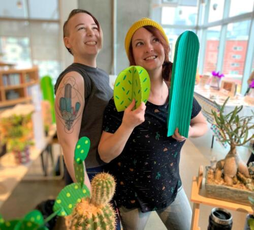 CCSS Members, Cheslea & Candi selling cacti at WeWorks Seattle.  11.2019